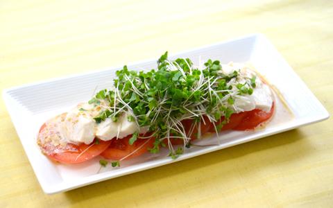 サラダチキンとブロッコリー スプラウトのおかずサラダ