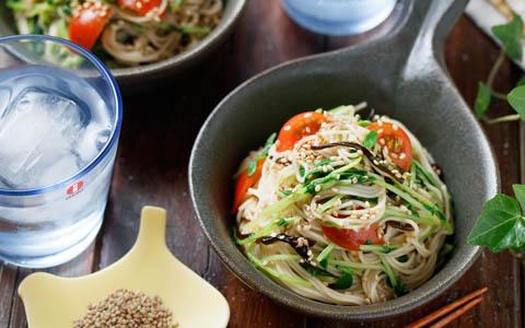 豆苗と塩昆布のそうめんサラダ
