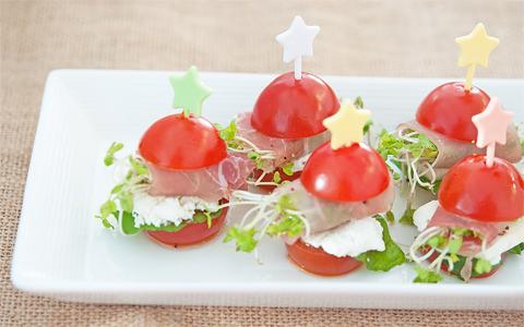 生ハムスプラウトとトマトのピンチョス