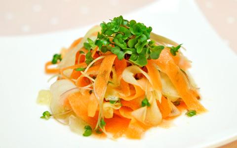 ブロッコリースプラウトと根野菜のローマリネ