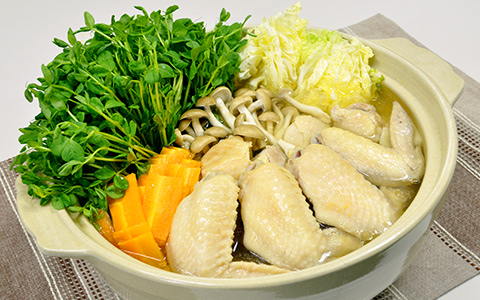 豆苗と鶏手羽のしょうが鍋