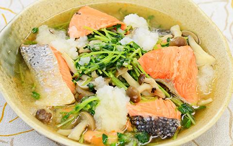豆苗と鮭のさっぱりみぞれ煮