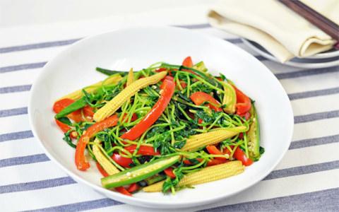豆苗と彩り野菜のガーリック炒め