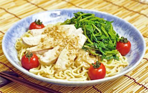 蒸し鶏と豆苗の冷やし中華
