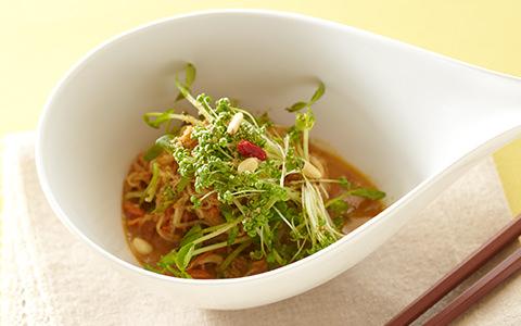 大根と豆苗の韓国風ヌードル