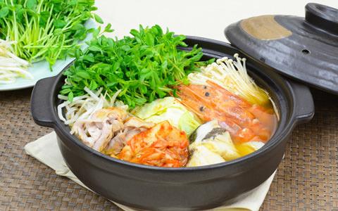 豆苗の海鮮みそチゲ