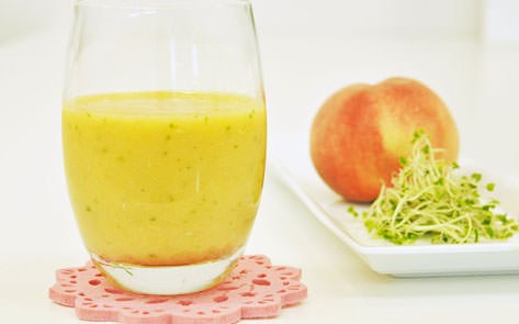 桃とオレンジのフローズンスムージー