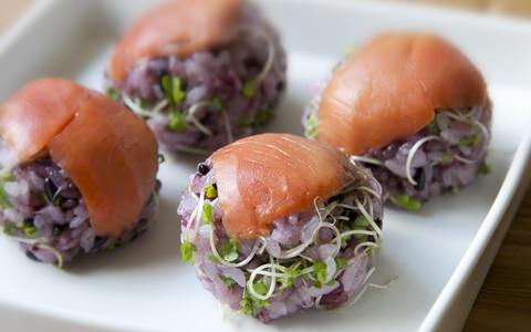 サーモンの手まり寿司