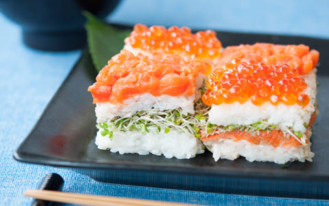 スプラウトとサーモンの押し寿司